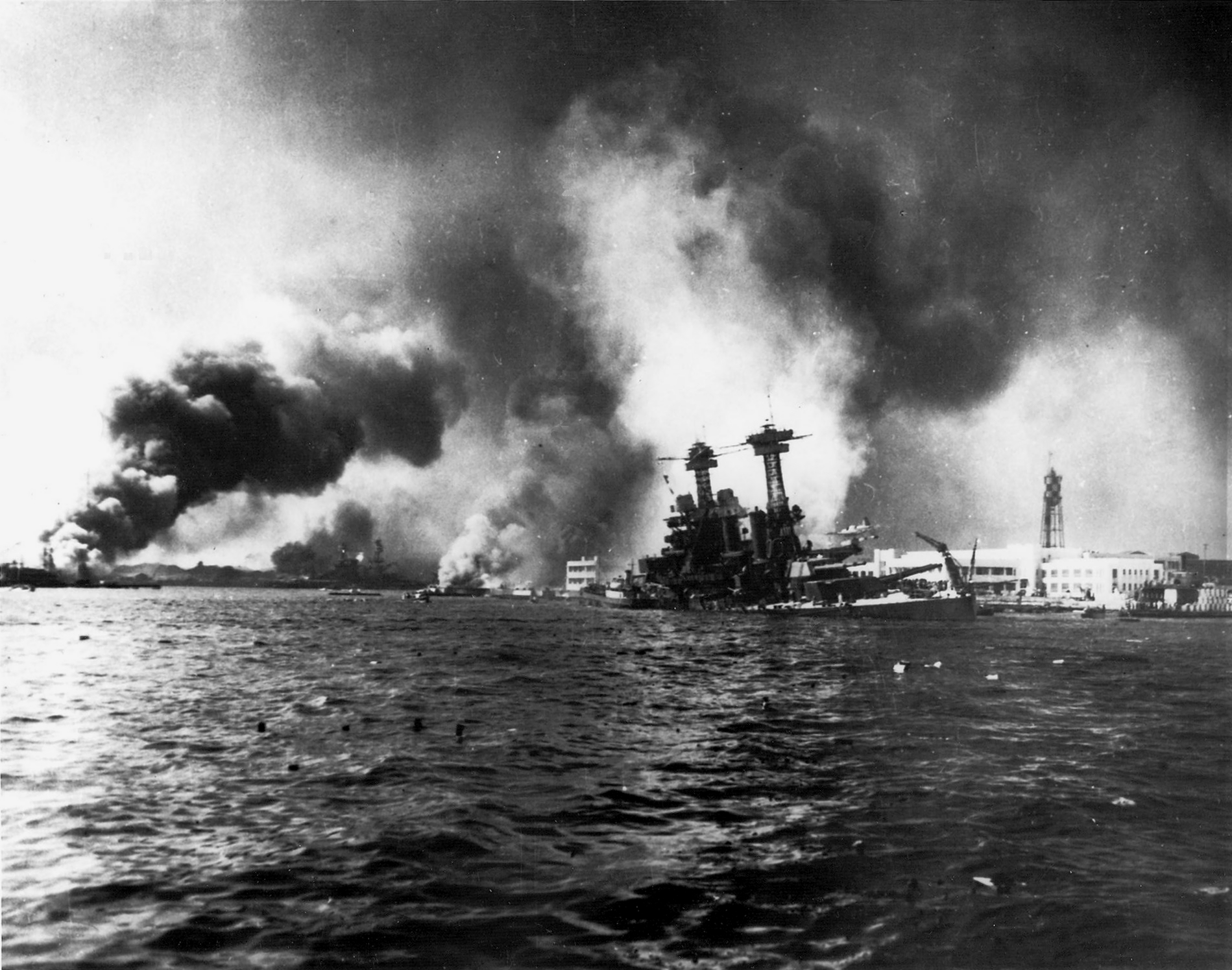 USS_California_sinking-Pearl_Harbor[1]